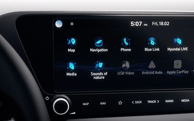 Video showcasing the all-new Hyundai i20's 10.25 inch centre touch screen and the Bose sound system