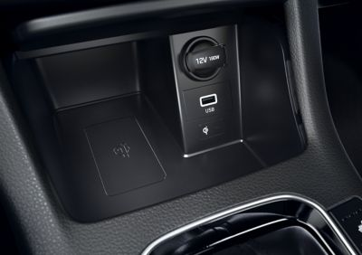 The wireless charging in the middle console of the new Hyundai i30.