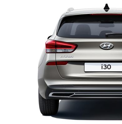 The new Hyundai i30 Wagon pictured from the rear, focused on the rear combination lamps