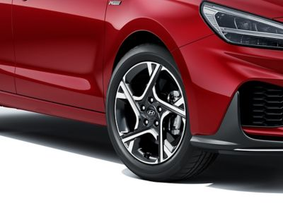 Close up of the exclusive Hyundai i30 N Line Wagon alloy wheels