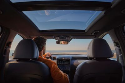 The all-new Hyundai Tucson Hybrid compact SUV's optional panorama sunroof.